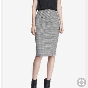 Express High yoke waisted houndstooth skirt